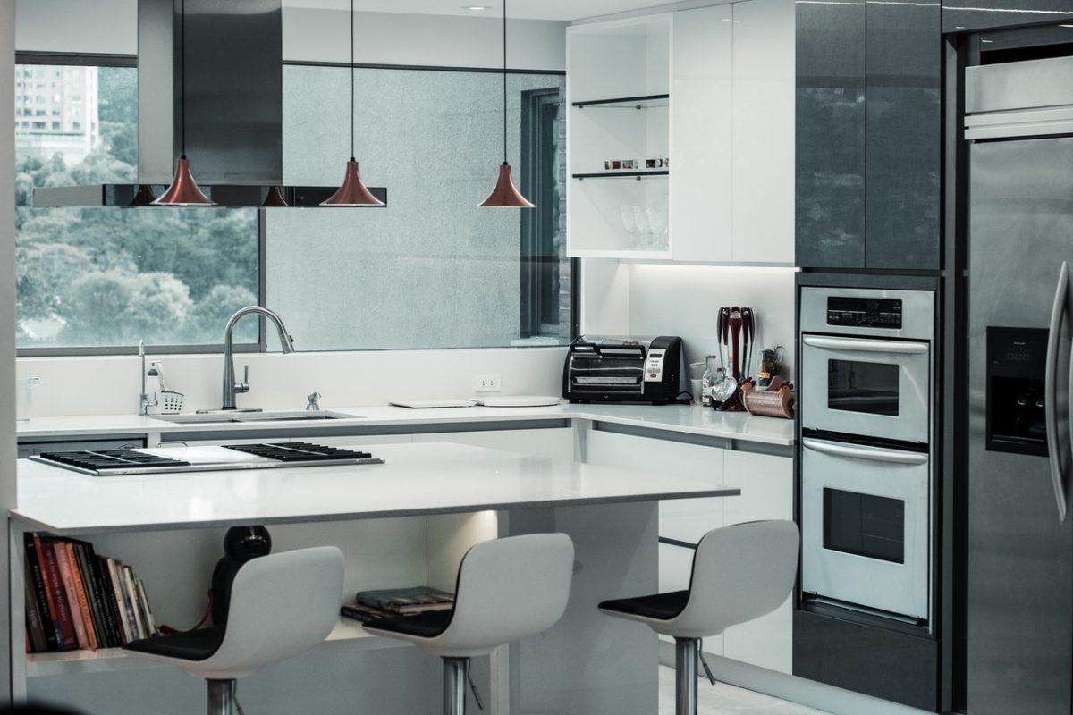 Meble modułowe czy na wymiar? Jakie wybrać do kuchni?
