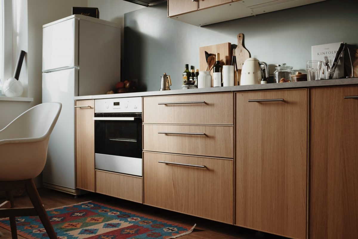 Mała kuchnia – funkcjonalna, wygodna i uporządkowana