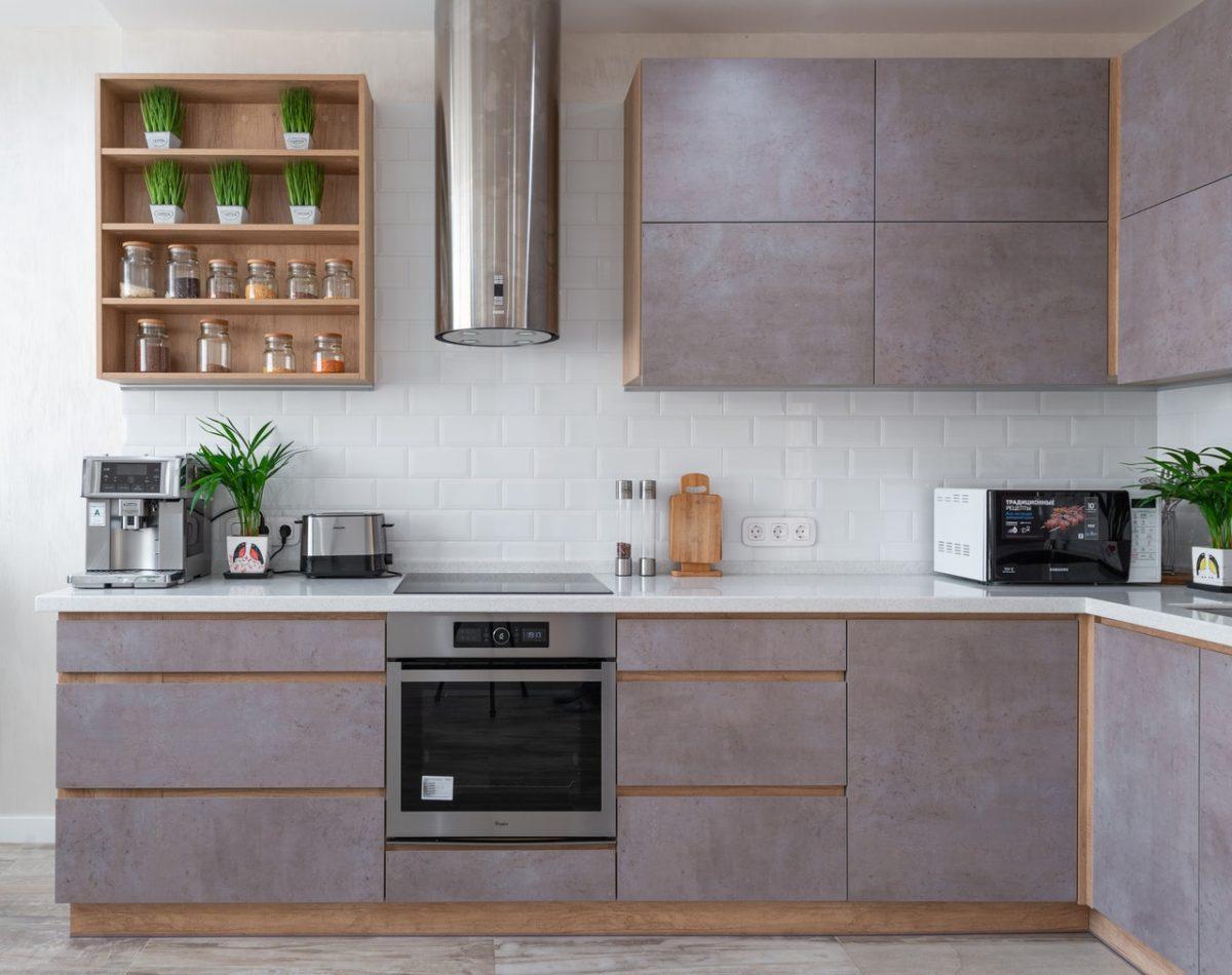 Pomysły na efektowną ścianę w kuchni